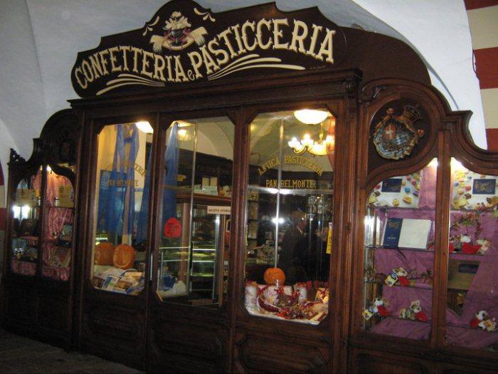 Viaggio a Cuorgnè, tra dolci e Medioevo