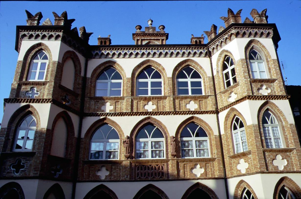 Viaggio in Canavese - VI parte: le ceramiche di Castellamonte e il Medioevo di Cuorgnè