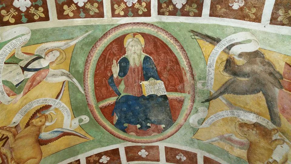 Cristo benedicente in mandorla - affreschi interni alla pieve di San Lorenzo a Settimo Vittone