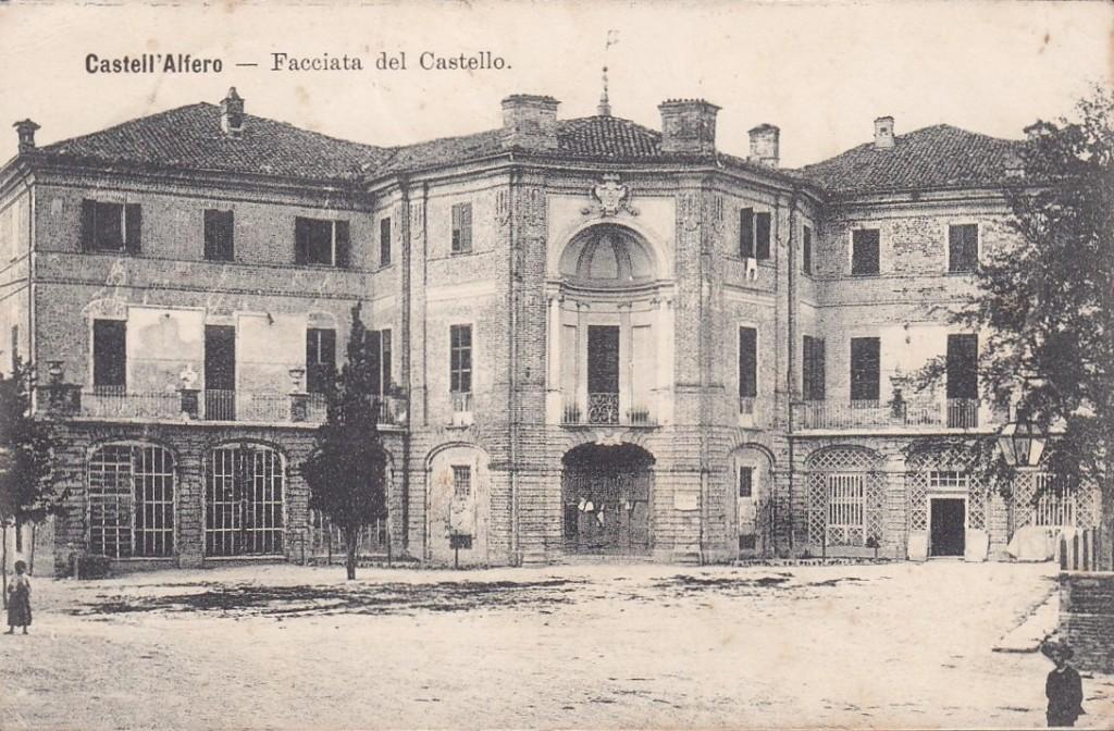 Cartolina del Novecento - castello di Castell'Alfero