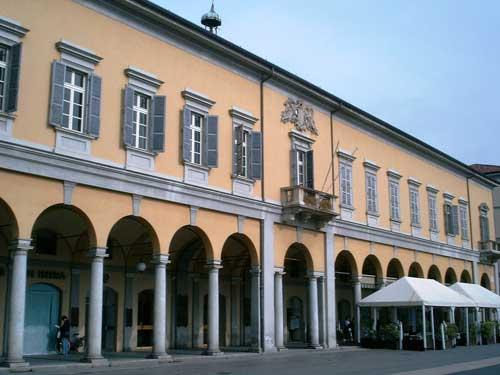 Storie novaresi: le palle di cannone di Palazzo Orelli