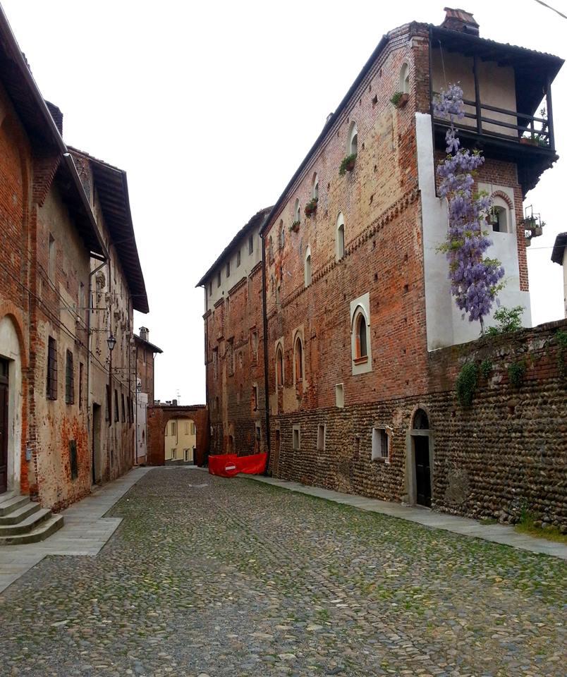 Il riso di baraggia e il castello consortile di Buronzo