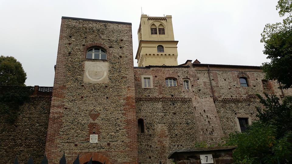 Rivalta, un tuffo nel Medioevo a due passi da Torino: il castello Orsini, il ricetto, l'antico monastero