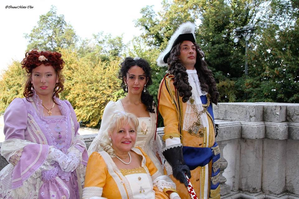La Coppia Ducale con le due Figlie LL.AA-RR. le principesse Maria Adelaide e Maria Gabriella