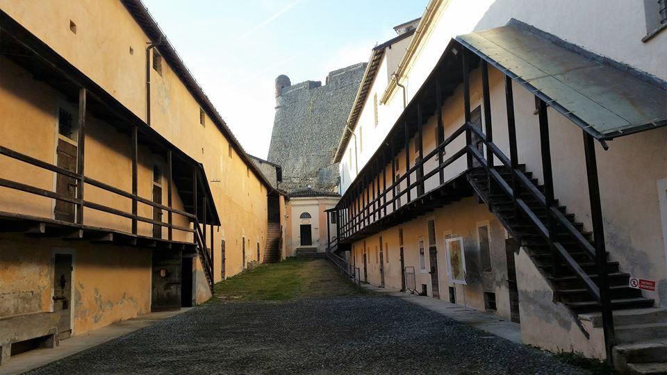 Veduta del cortile nel Basso Forte o Cittadella