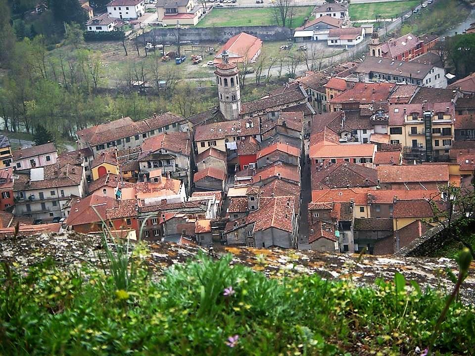 Il borgo antico di Gavi visto dall'Alto Forte