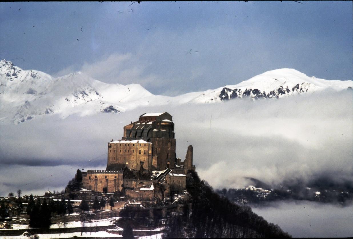 La Sacra di San Michele, monumento simbolo del Piemonte - I parte: cenni storici e itinerario di visita tra arte e fede