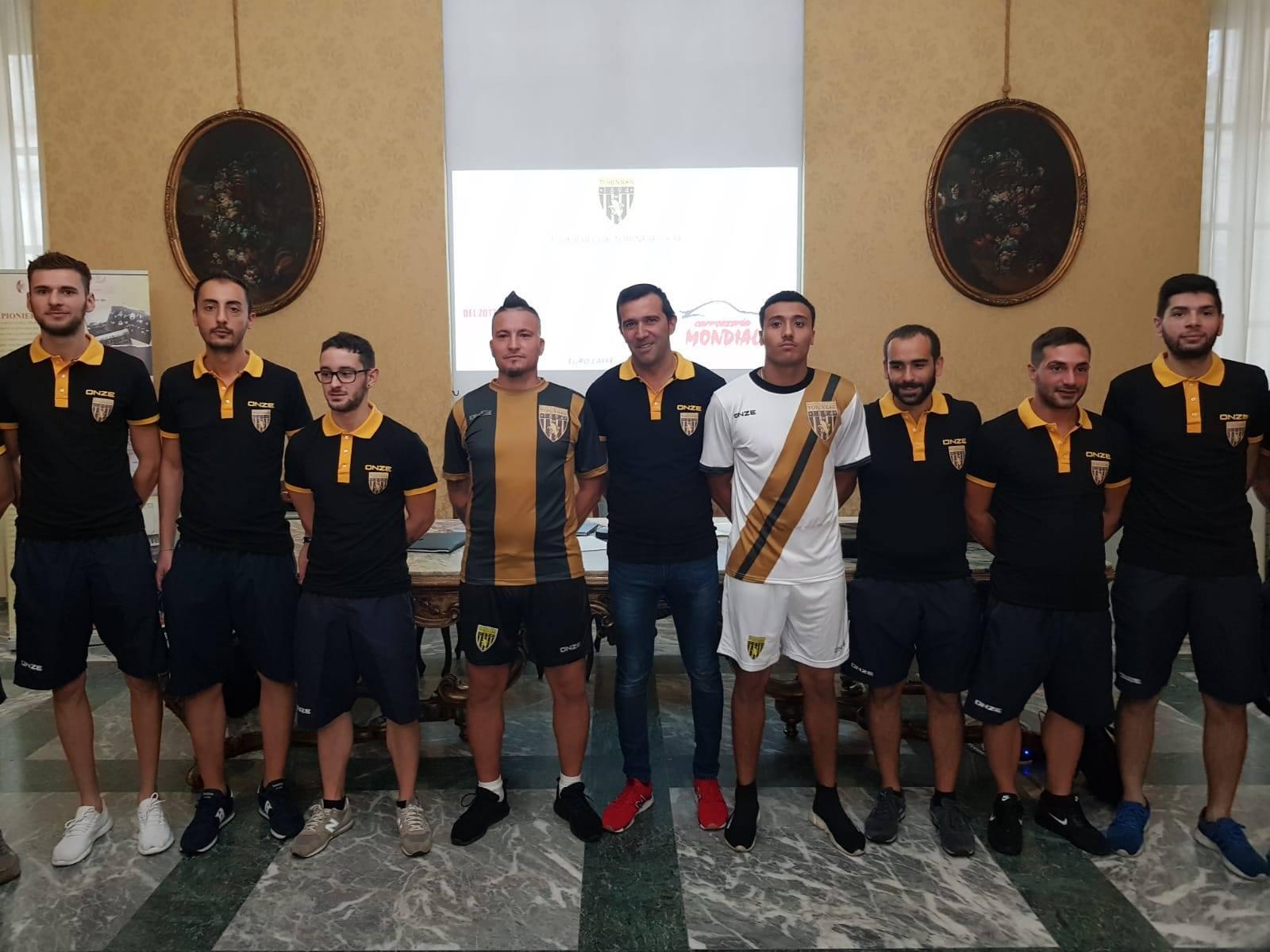 """La storia del calcio italiano passa per Torino: dopo 120 anni la """"F. C. Torinese"""" scenderà nuovamente in campo"""
