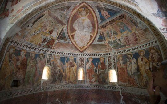 La musica dipinta della cappella di San Salvatore, una delle più antiche fondazioni cristiane della valle Maira