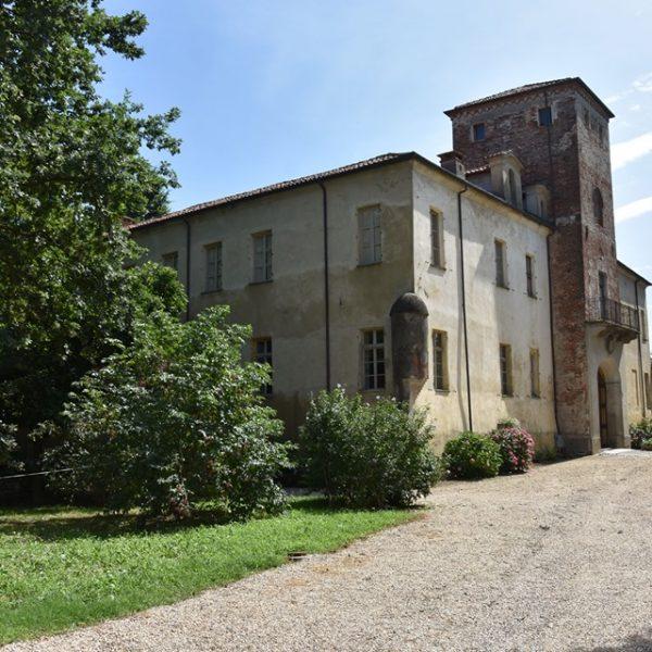 Conoscere La Loggia: villa Carpeneto, che fu dimora dei Graneri de la Roche, e il castello Galli della Loggia