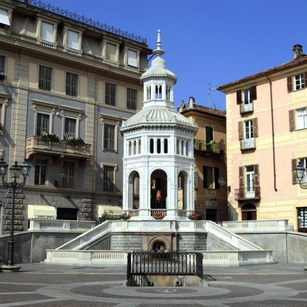 Piemonte in video - le terme, il vino, la storia: alla scoperta di Acqui