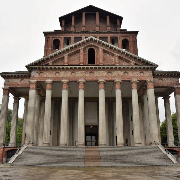 Alla scoperta di Boca nel Novarese: il maestoso santuario dell'Antonelli e i suoli vulcanici del vino Boca Doc
