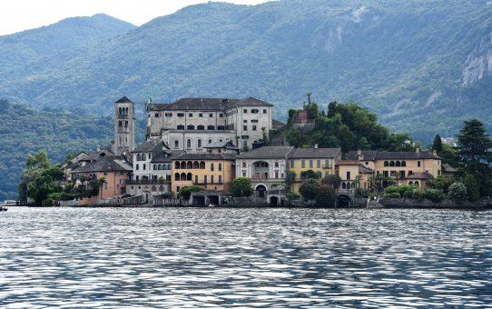 Il lago d'Orta e l'isola di San Giulio: curiosità, tradizioni, leggende