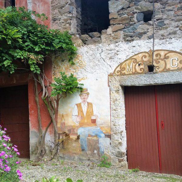 I Balmetti di Borgofranco d'Ivrea: architetture spontanee tra le rocce moreniche del Mombarone