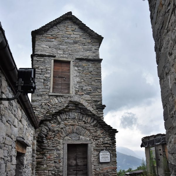 """Il """"tempietto lepontico"""" di Roldo di Montecrestese, rarità architettonica dell'Ossola celtica"""